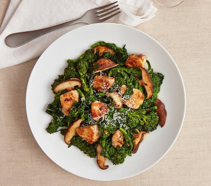recipe image Chicken & Broccoli Rabe Sauté